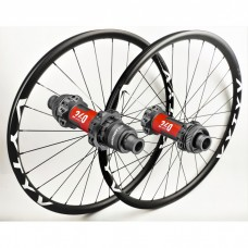 MTB wheelset based on DT Swiss 240 EXP CL Straightpull hubs by WHEELPROJECT